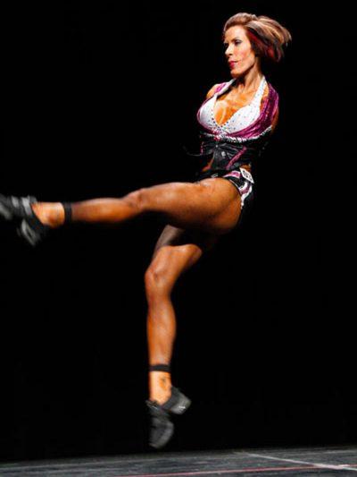 Barbie Thomas, dancing