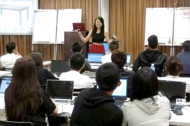 Conducting a live class of Blogging Success Program Workshop