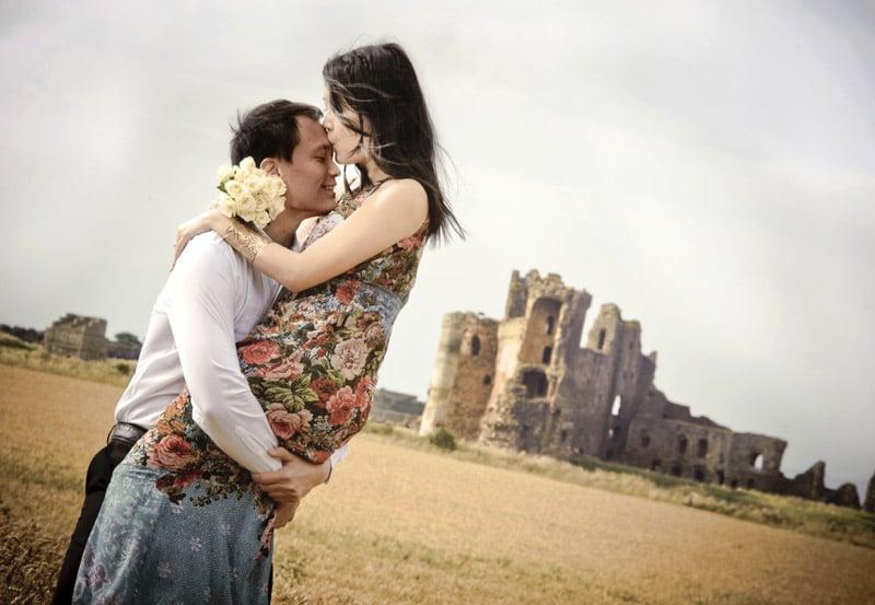 Engagement shoot: Outside Tantallon Castle (Notebook-esque shot)