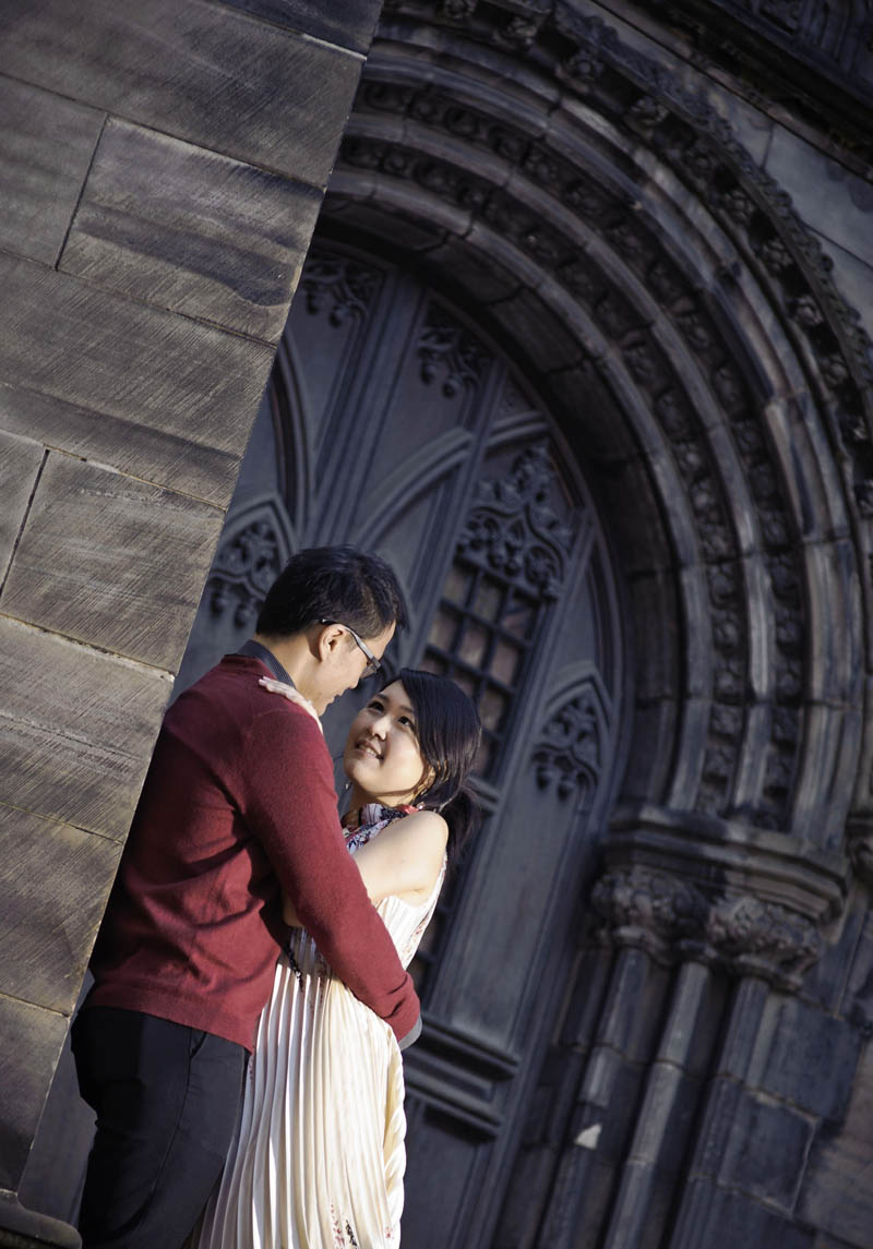 Engagement shoot: At St Giles' Cathedral entrance