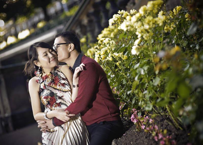 Engagement shoot: Quiet moment in the garden