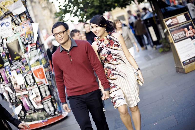 Engagement shoot: Walking on the streets of Edinburgh City