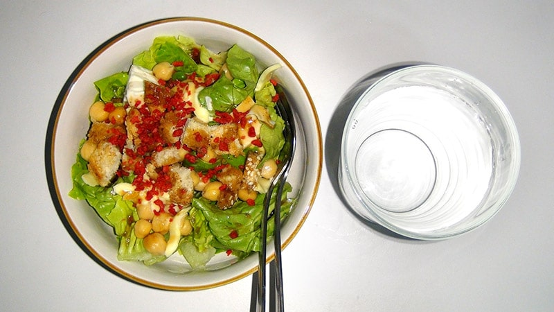 Chickpeas and tofu salad