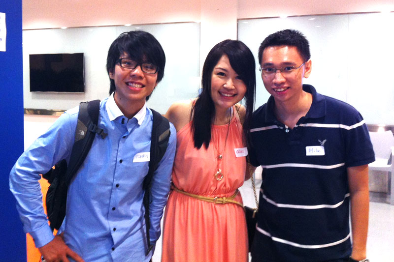 Celes with 2 Vietnamese entrepreneur friends