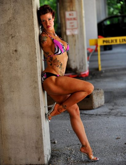 Barbie Thomas, modeling shot