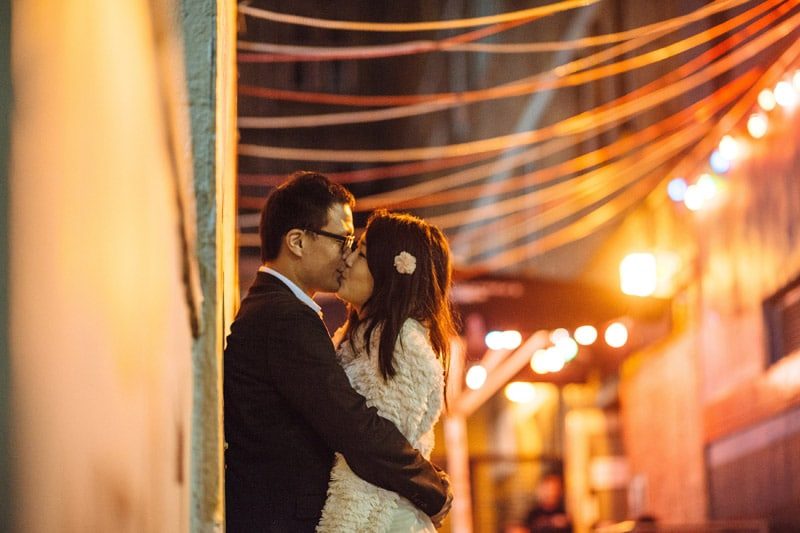 Engagement shoot: Alley kiss