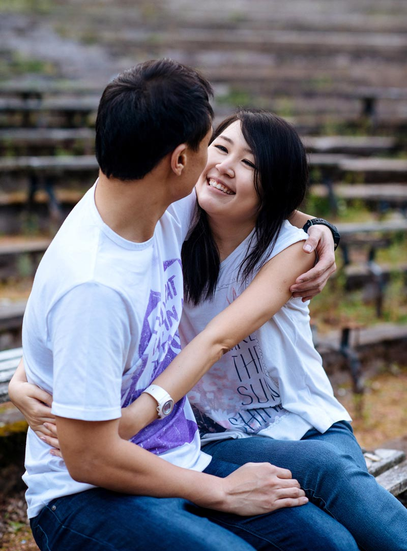 Engagement shoot: Hug