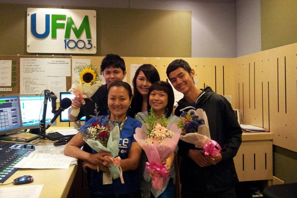 With the UFM 100.3 Deejays