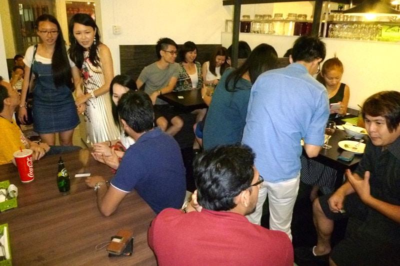 SG PE Readers Meetup (Jul 27, 2014): Everyone mingling