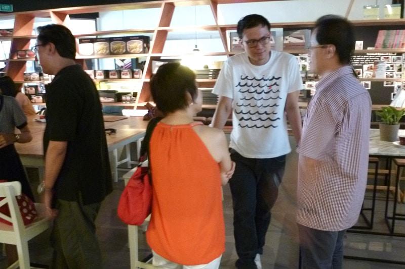 SG PE Readers Meetup: Participants mingling #3