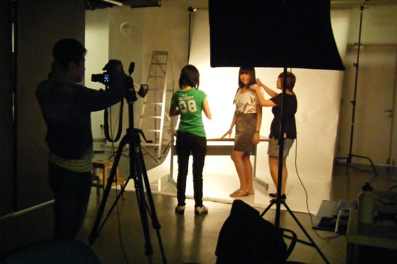 Simply Her Photoshoot (July 2010): Celes getting ready for the shoot