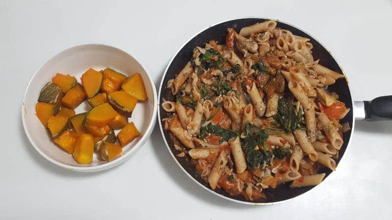 Vegan Meal: Tomato Pasta with Pumpkin