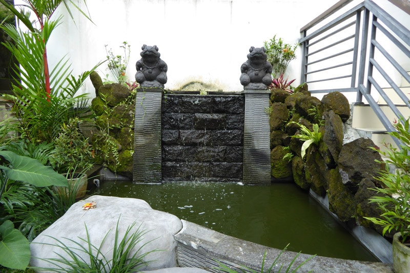 Ubud Villa: Water fountain