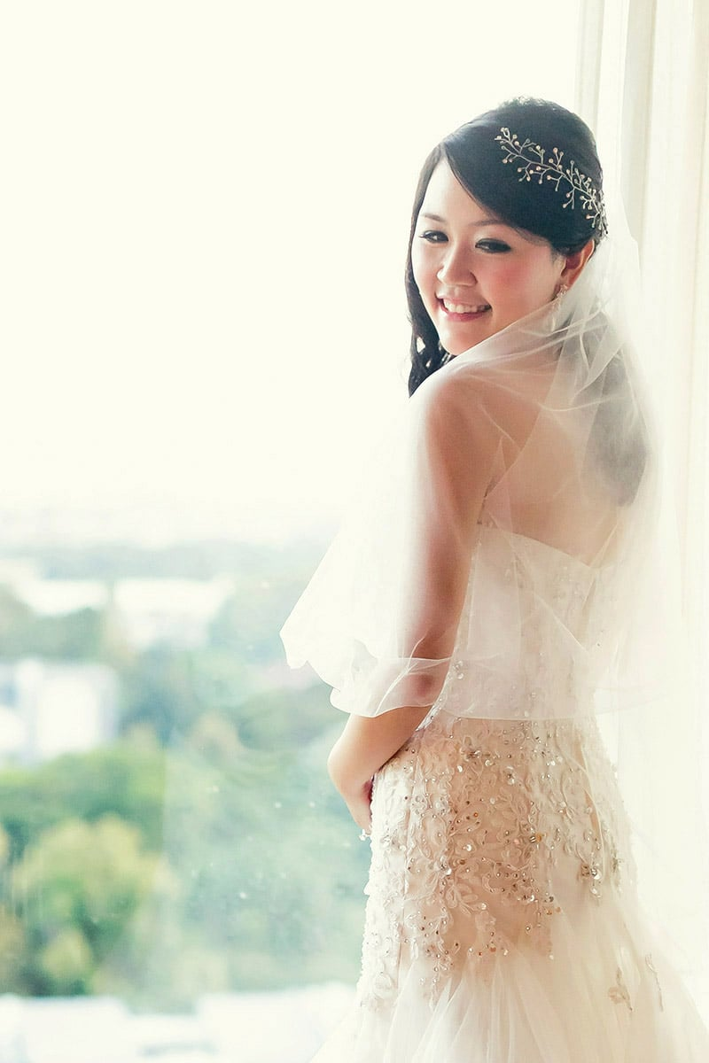 Celes back view, in wedding gown